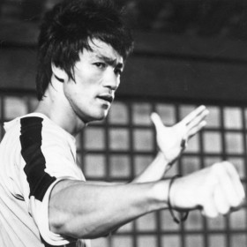 Bruce-Lee-Thumb_WP