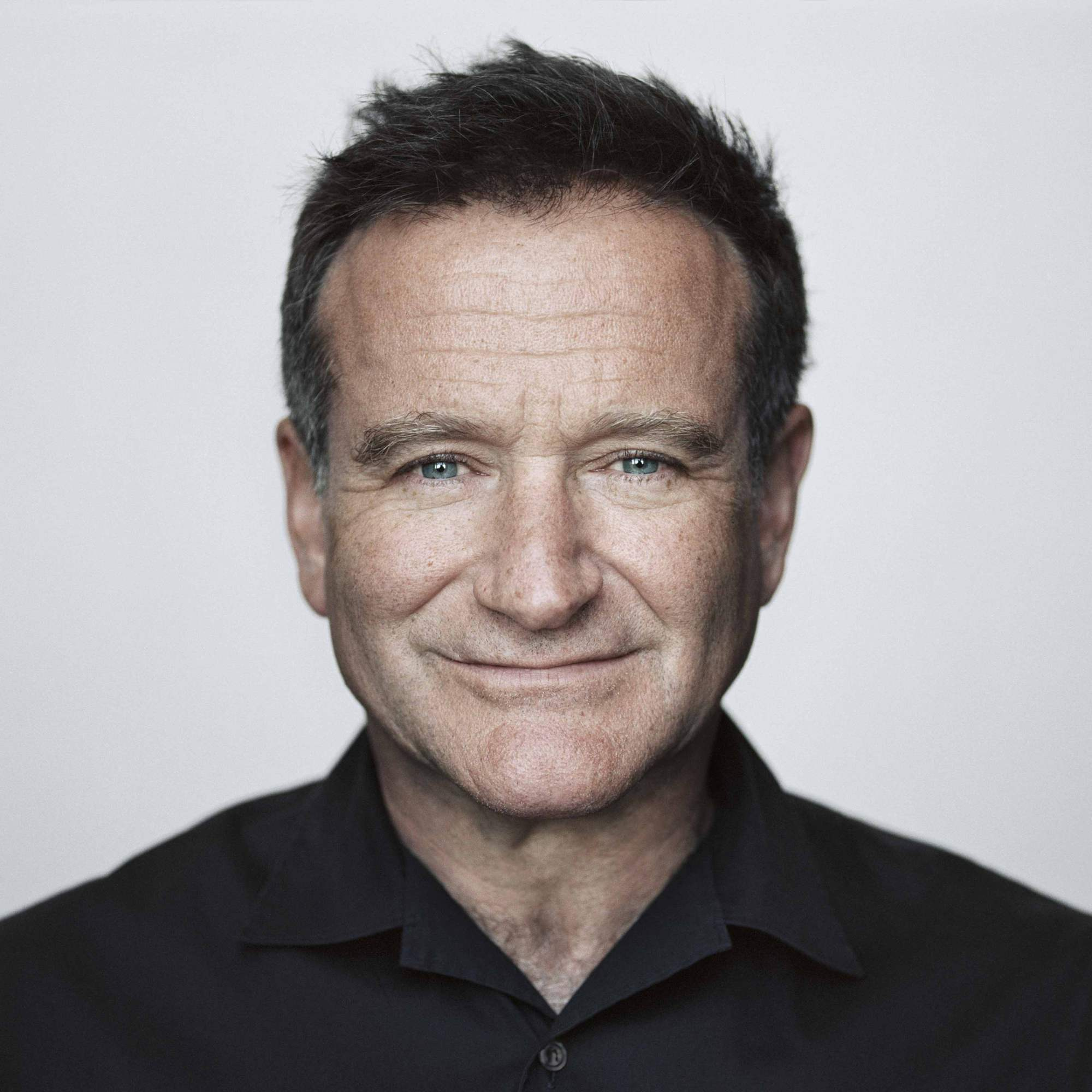Robin Williams transferred the rights to use his image to a charity fund 03/31/2015 34